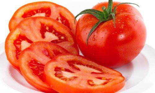 tomate como remedio para quemaduras