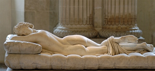 frenar envejecimiento dormir desnuda